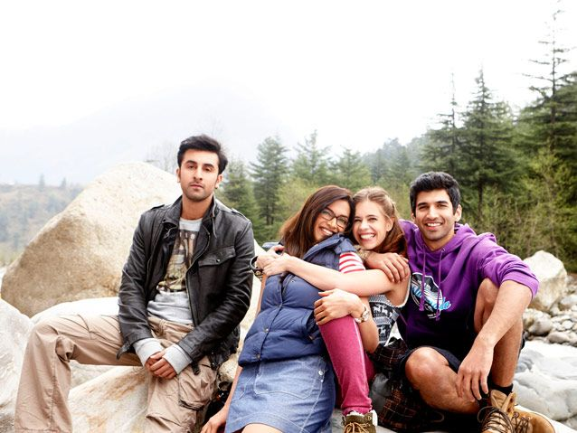 The cast of Yeh Jawani Hai Deewani tell you about their vacation booked through makemytrip!