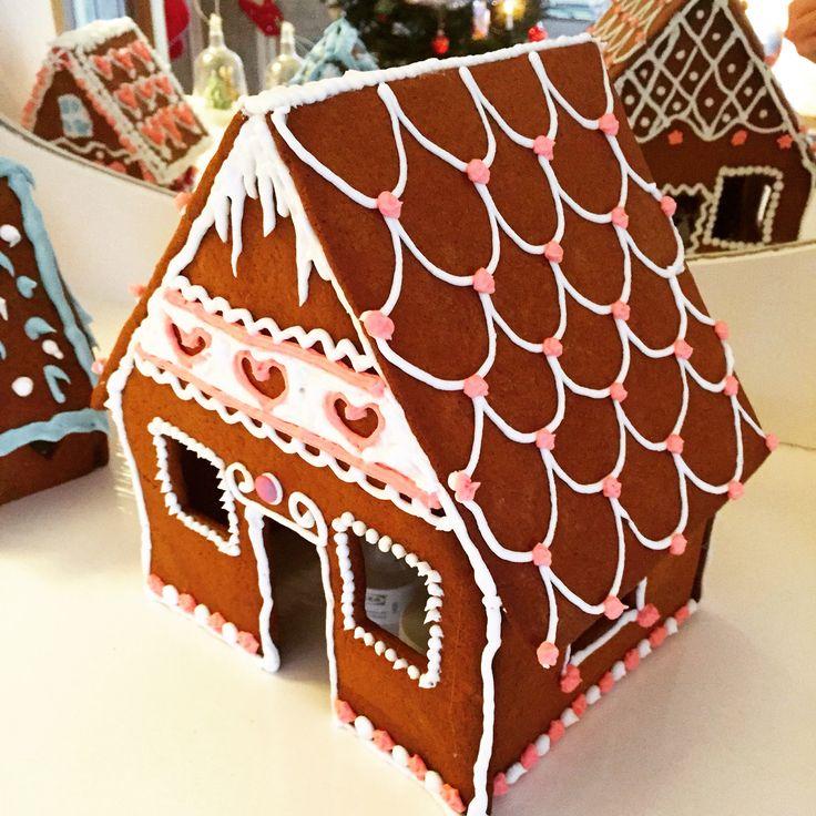 Pepparkakshus -Gingerbreadhouse by DiySweden