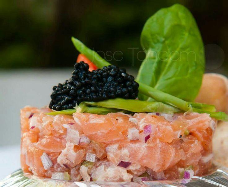 Tartar de salmón con espárragos  verdes  (Jose Tandem)
