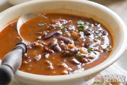 Receita de Sopa cubana de feijão preto em receitas de sopas e caldos, veja essa e outras receitas aqui!