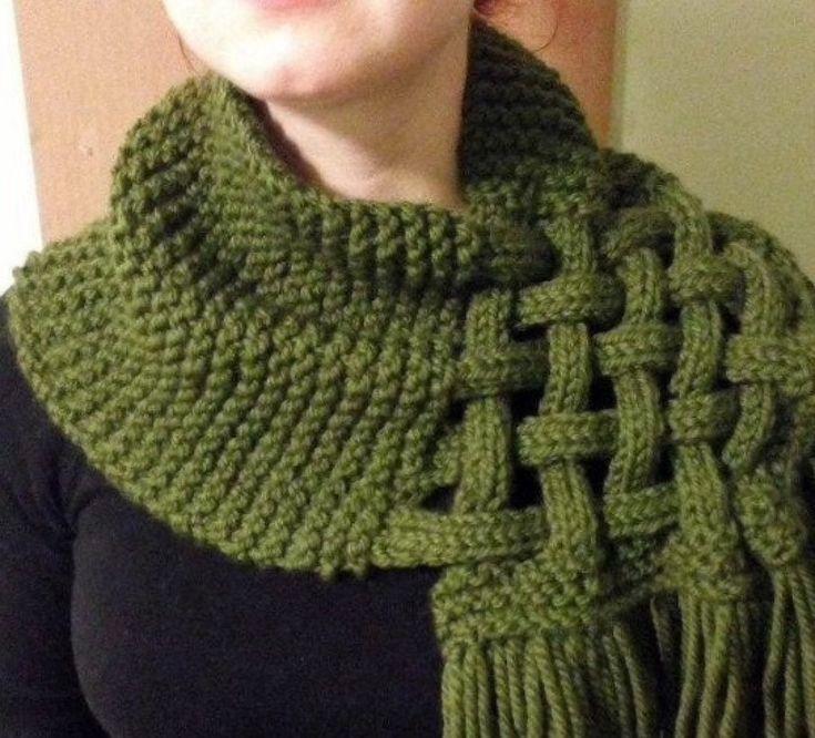 Chic et élégant grand snood cache col ,écharpe en tricot fait mains pour femme ,homme