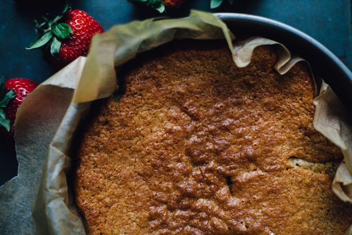 Erdbeere kombucha Kuchen w / Genie Cashew Kokoszuckerguss // mit Einkorn Mehl mit hohem Protein gemacht!  // Vegan Rezept über für Nahrung herumtollen