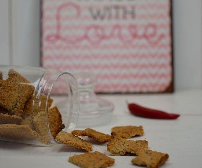 Low Carb Mandel Parmesan Cracker