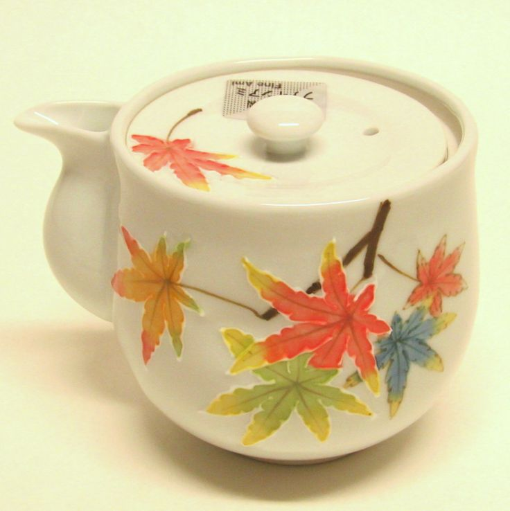 Arita (Imari) porcelain teapot - maple