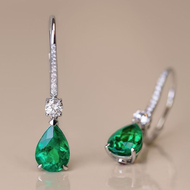 Gubelin (@gubelinofficial) on Instagram: With the two pear-shaped Colombian emeralds, totalling 3.67 ct, this elegant pair of drop earrings is made to become a timeless heirloom.