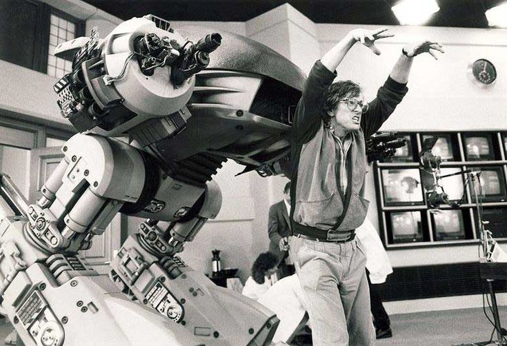 Paul Verhoeven with the ED-209 on the set of RoboCop