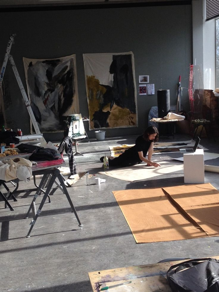 Big workspace with beautiful light #art #artists #studio