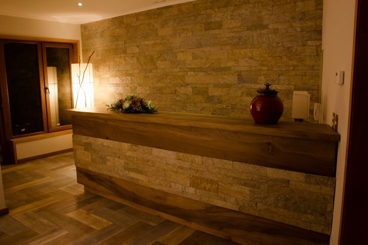 Reception made from stone and wood. #cocurantuhotelboutique #pucon #chile #surdechile #hotelboutique #hotelboutiquechile #relax #arquitecture #ecofriendly #design #decoration #wood #madera #southamerica #travel #viaje #wanderlust #nature #naturaleza #elegance #recepcion #reception