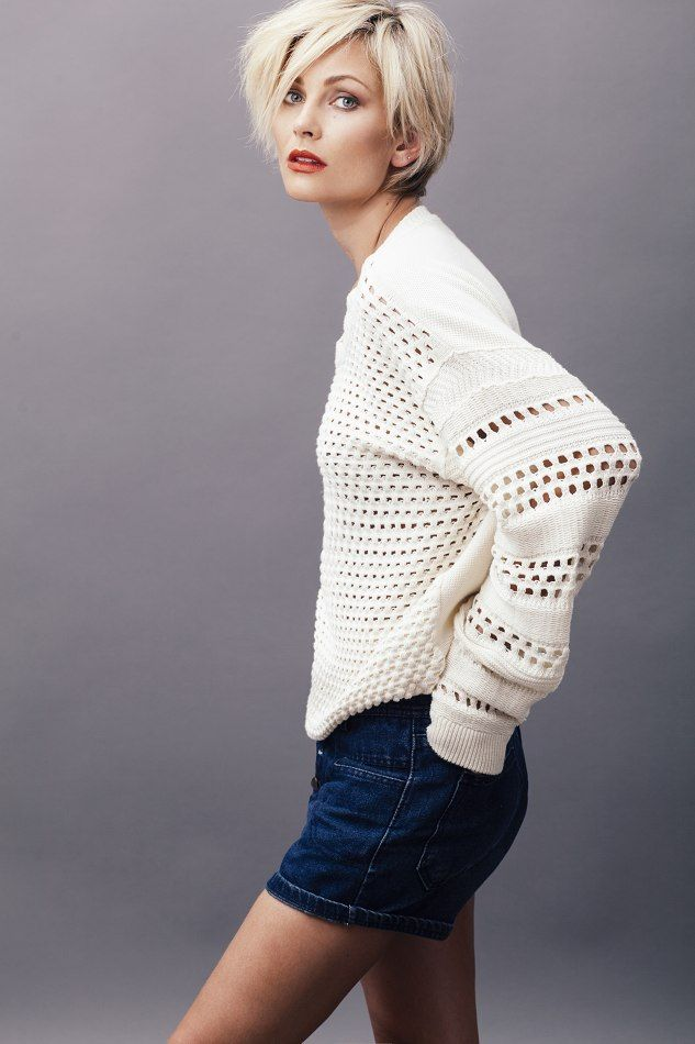 Monique Spronk In 2019 Short Hair Styles Short Grey