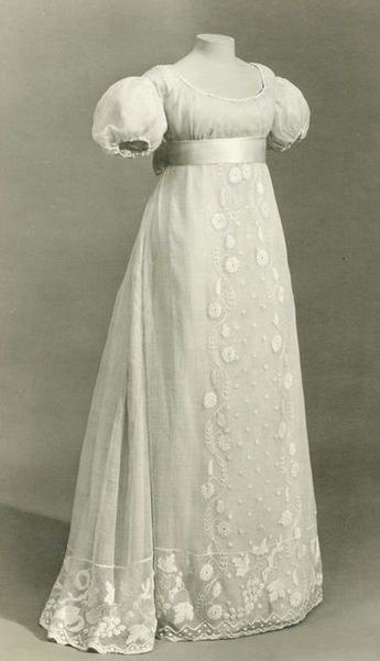 defunctfashion:    Dress | c. 1810 | British    whitework! love the wide waistband.