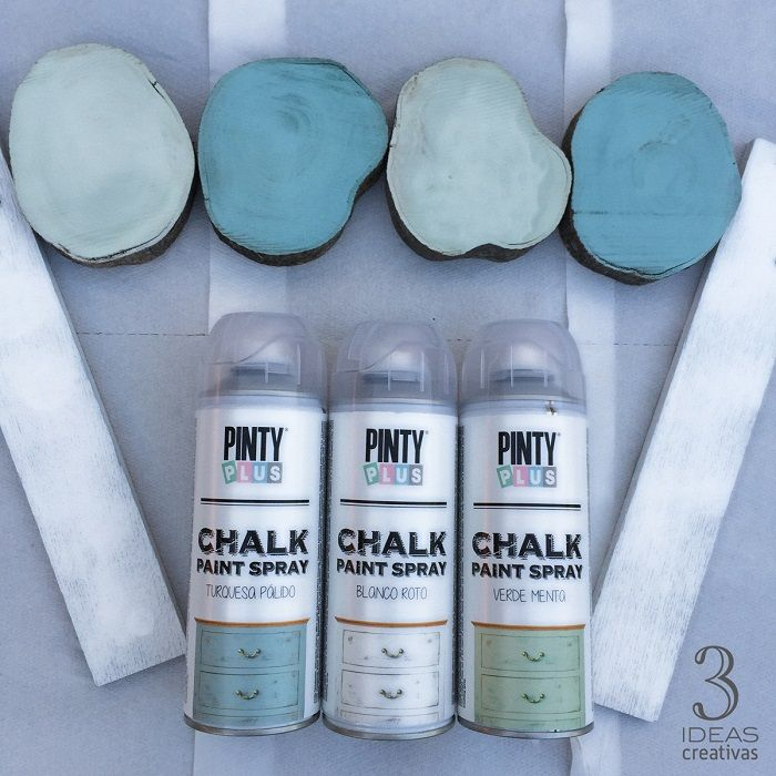 Pinty Plus spray chalk paint in pale turquoise, broken white and mint green