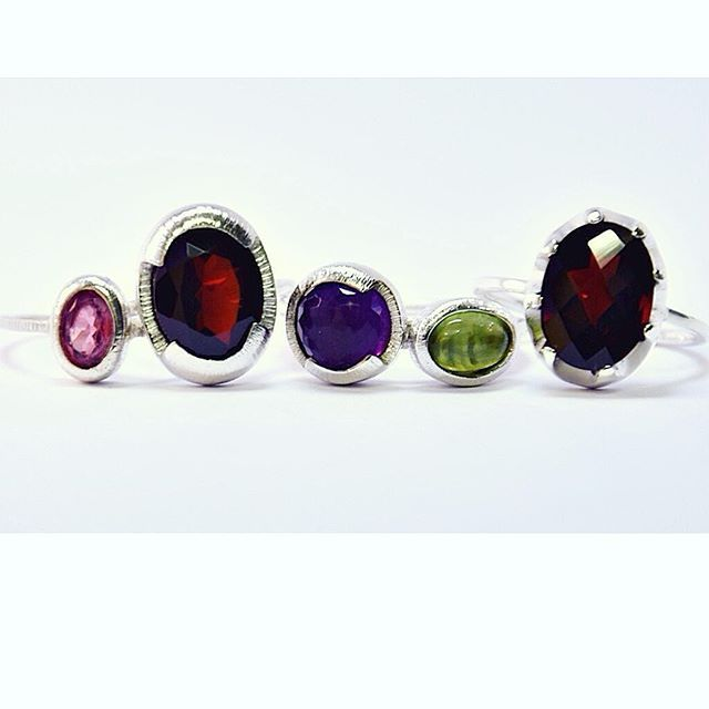 Ethically sourced gemstones are waaay more special!! 😉#tourmaline #garnet #amethyst #peridot . . www.thaizjewellery.com . . #ethical #gemstones #recycled #sterlingsilver #ethicalbrand #greenbrand #gogreen #slowfashion #showmeyourrings #gemstonejewelry #handmadejewelry #handmadejewellery #jewelry #jewellery #ring #rings #schmuck #ringe #silberring #zurich #kreis4 #joias #aneis #joiascontemporaneas #anello #fattoamano
