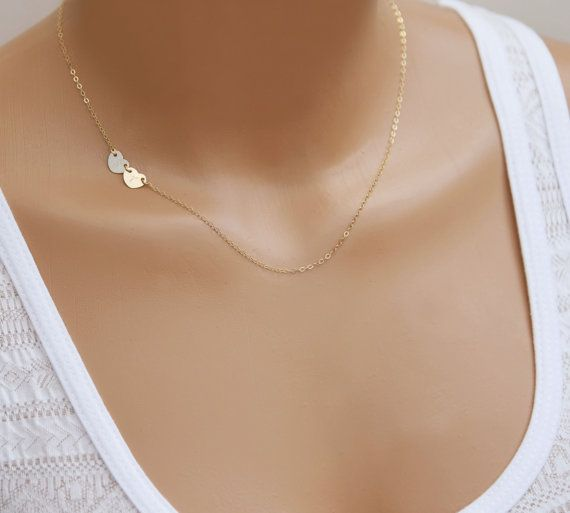 A personalized simple, sweet and dainty design in 14k gold fill, sterling silver and rose gold fill on my delicate signature chain. The side option is always an eye-catcher. The perfect mothers gift anytime of the year.   ➙ D E S I G N - D E T A I L S  - dainty 8mm heart disc - includes all stampings - 100% 14k gold filled, sterling silver & rose gold filled - delicate quality cable chain - all components made in the USA ➙ H O W - to - O R D E R  1. Carefully choose your style & length from…