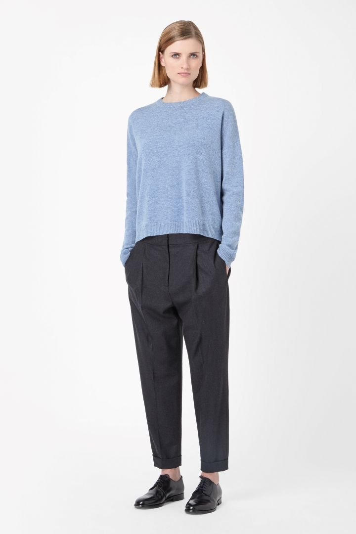 Made from soft lambswool, this round-neck jumper has leather elbow patches  for subtle contrast of textures. Wide-cut for a relaxed, oversized shape,  ...