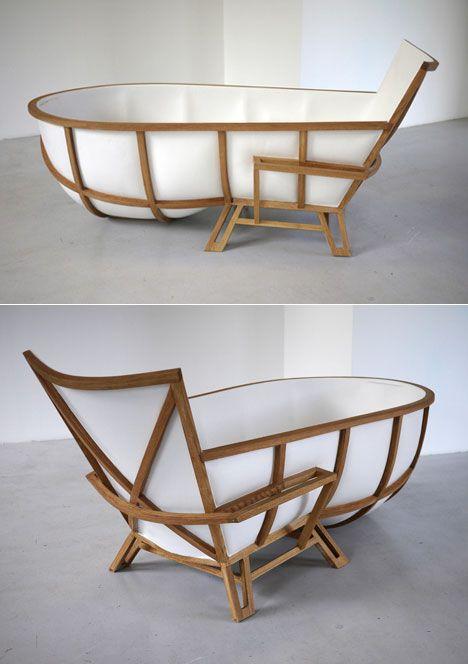 Thomas Linssen on a bathtub as furniture