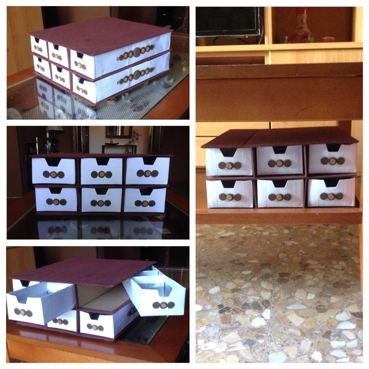 Cajonera con carton de leche, pegatinas y carton que tenia por casa, con muchos compartimentos, genial para almacenaje y organizacion de los que mas te guste / DIY by Luz Arias