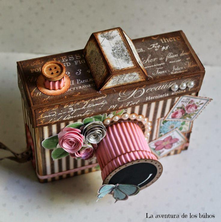 Открытка с фотоаппаратом из коробка