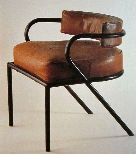 René Herbst: Fauteuil en tube laqué, coussin de cuir, 1928
