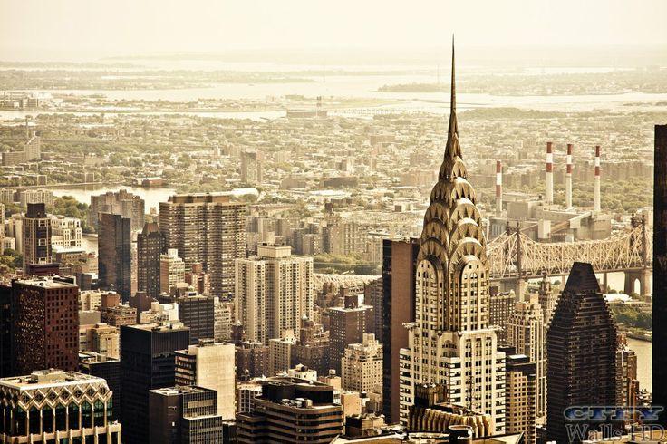 Stadt des Friedens, ein charmantes New York City, mit einem brillanten Blick auf das Chrysler Building.