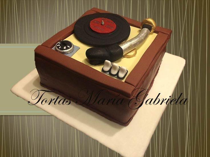 Torta diseño tocadiscos de vinil tortasmariagabriela@gmail.com