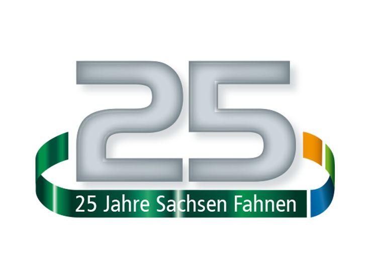 Im Oktober 2015 feiert Sachsen Fahnen sein 25-jähriges Bestehen. 25 herausfordernde Jahre mit dynamischem Wachstum in einem eng umkämpften Markt liegen hinter uns.  Wir blicken auf erfolgreiche Jahre zurück und möchten allen unseren Dank aussprechen, die uns auf diesem Weg begleitet und unterstützt haben.