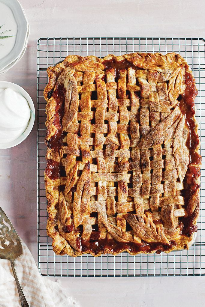 Chai Spiced Caramel Apple Pie