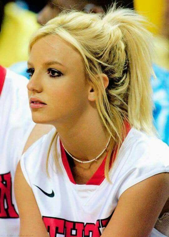 Britney Spears - charity basketball game