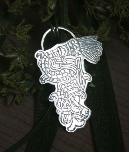 Pendentif Serpent à plumes, bijou Kukulkan, dieu Maya en argent