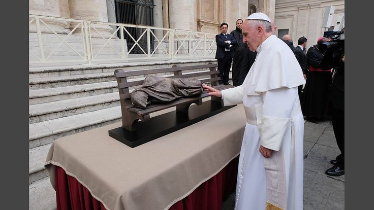 Pope Francis and Homeless Jesus statue