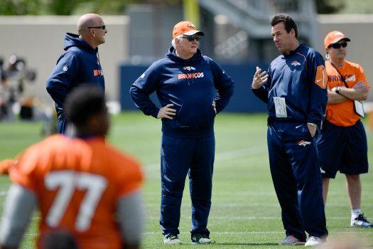 Wade Phillips talks Von Miller's contract, DeMarcus Ware's back