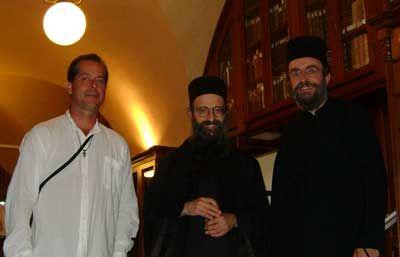 Com o Padre Macarius, em mosteiro do Monte Athos, Grécia.