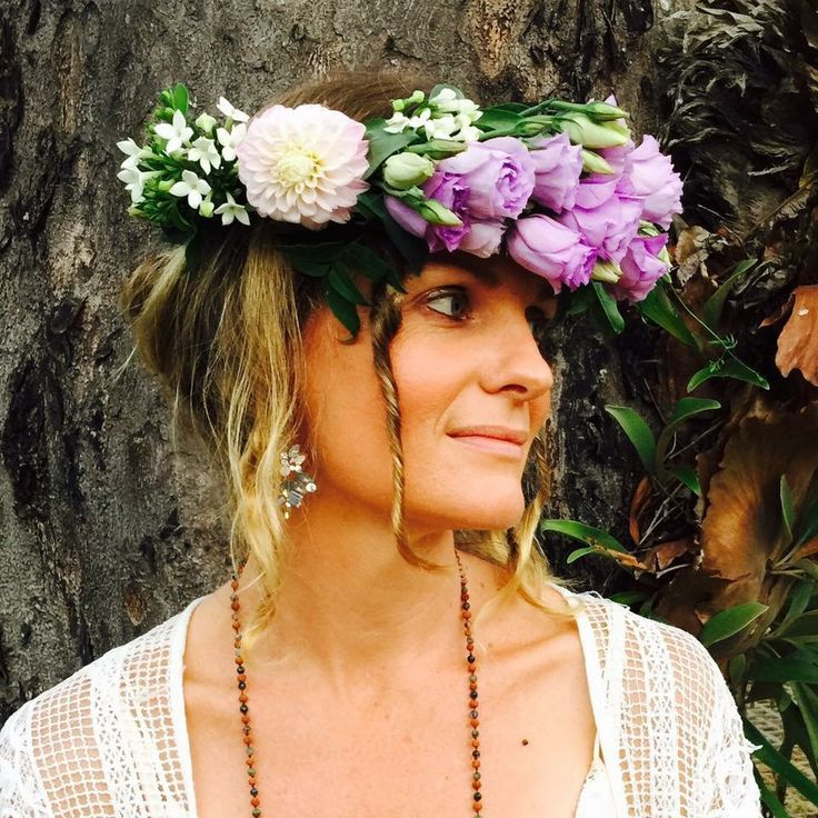 Flower crown for the beautiful Caroline fresh from the Wildwood #flowercrown #weddings #botanicaldesign #byronbay #florist #mauve