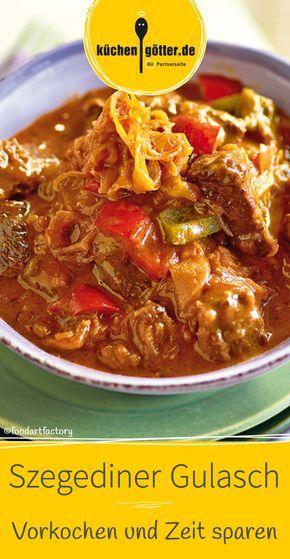 Szegediner Gulasch schmeckt im Winter am besten und eignet sich super für Meal Prep und zum portionsweisen Einfrieren.