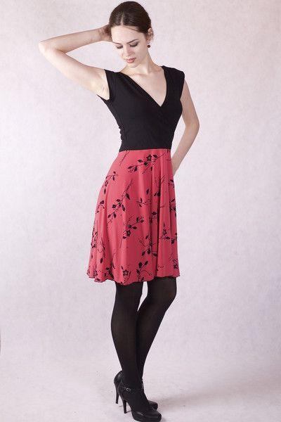 Kleider - Outlet Wickeloptik Kleid Gr 36/38 pink / schwarz - ein Designerstück von Berlinerfashion bei DaWanda