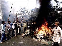 February 27, 2002 ♦ Hindus die in train fire