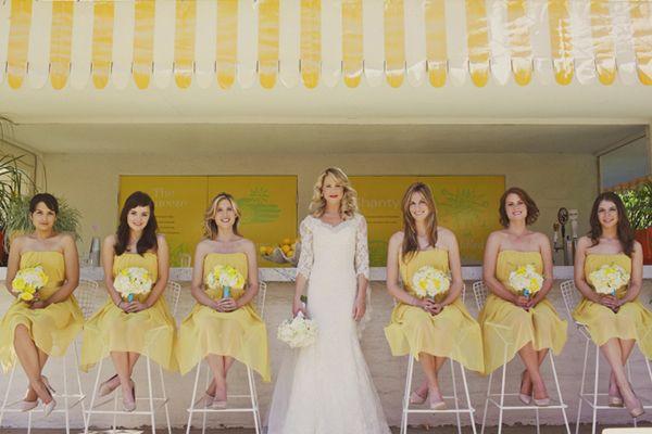 ブライズメイドも、もちろん黄色のドレスで。