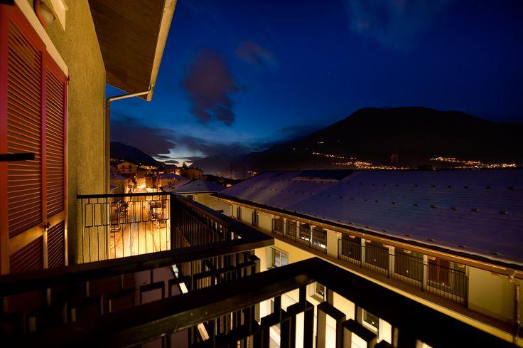 Hotel Campelli - Vista notturna da una camera al terzo piano sul lato frontale dell'Hotel
