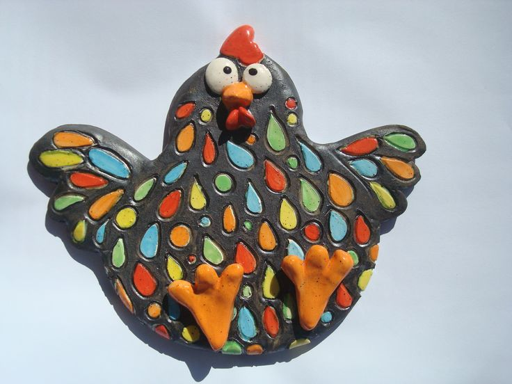 Poule noire en céramique émaillé multicolore, à la manière d'une mosaïque…