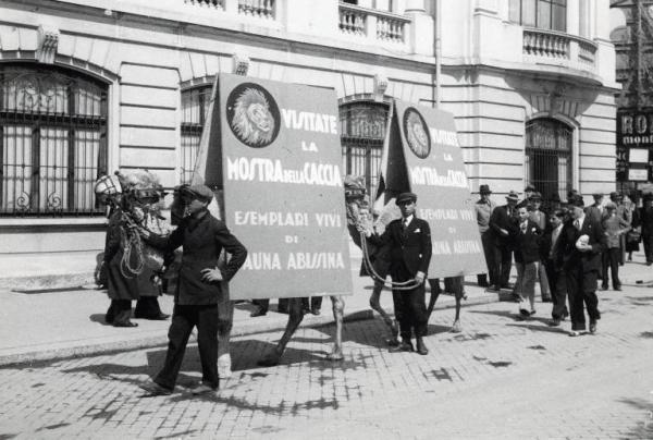 Fiera di Milano - Campionaria 1936 - Pubblicità mobile della Mostra della caccia