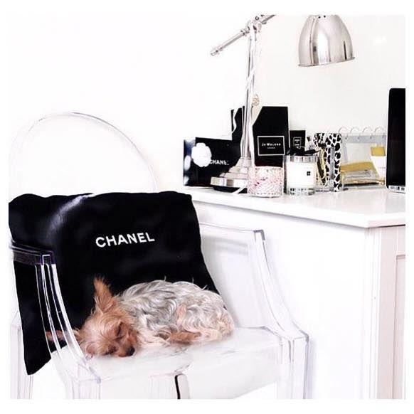 Sleeping beauty 💋#modaboom #modaboomofficial #woman #fashion #online www.modaboom.com