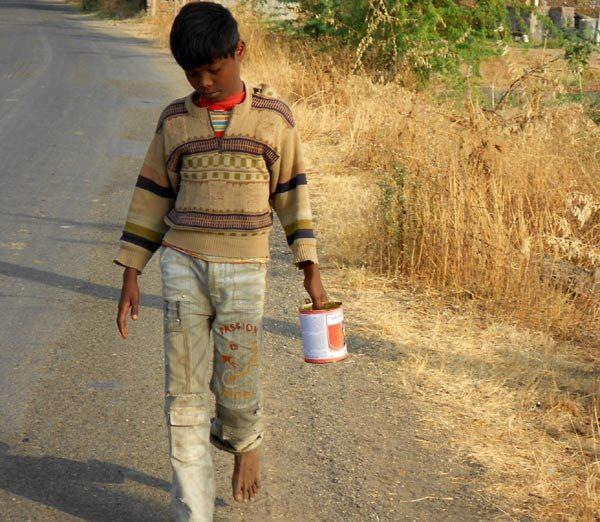 ચરોતર: NRI એકઠું કરેલું ફંડ  ભારતના ગામડામાં ટોઇલેટ બનાવવા આપશે