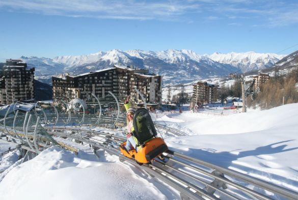 LES ORRES, Alpes du Sud, 1650m, 25km Raquettes, 15km piétons