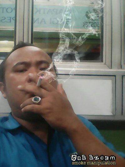 break dance smoke manipulation by Cakkocem
