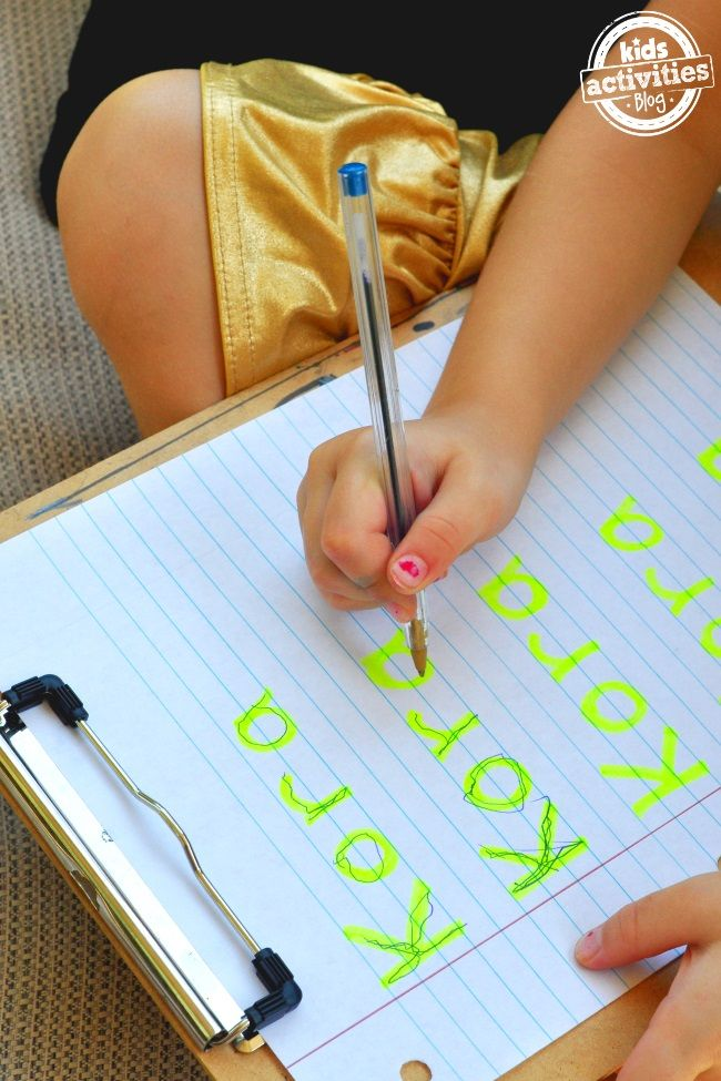 Helpful ideas for kids to practice writing their name. Love this idea using a highlighter and a pencil.