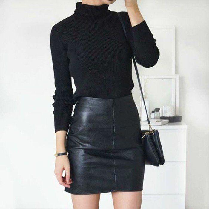 tenue minimaliste et chic, pull en laine femme glissé dans une jupe en cuir