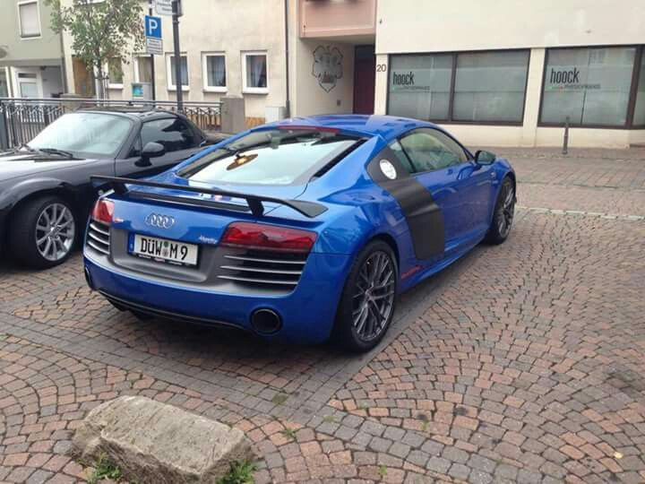 Audi R8 in Town!