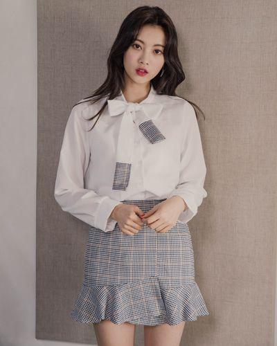 Check Panel Bow Neck Blouse CHLO.D.MANON   #ivory #check #ribbon #blouse #koreanfashion #kstyle #kfashion #springtrend #seoul #dailylook