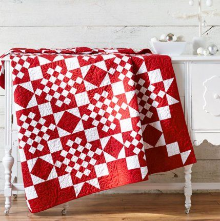 Create a Classic by designer @silverthimble; quiltmaker: Teresa Wade. Fabrics are from the Bella Solids collection by @modafabrics.