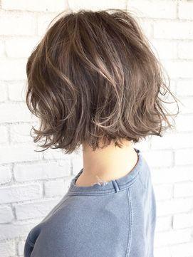 タンバルモリグレージュハイライト×寝ぐせ風ボブ_ba23841 - 24時間いつでもWEB予約OK!ヘアスタイル10万点以上掲載!お気に入りの髪型、人気のヘアスタイルを探すならKirei Style[キレイスタイル]で。
