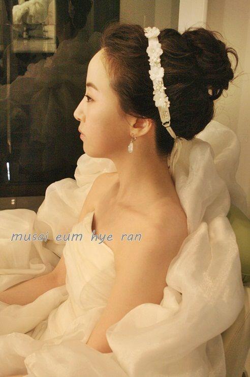 여성스럽고 귀여운 네츄럴한 웨딩 업스타일~!!   http://www.musai.co.kr  압구정 퍼스트 실장 엄혜란